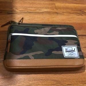Herschel Anchor iPad Air Sleeve, Camo One Size